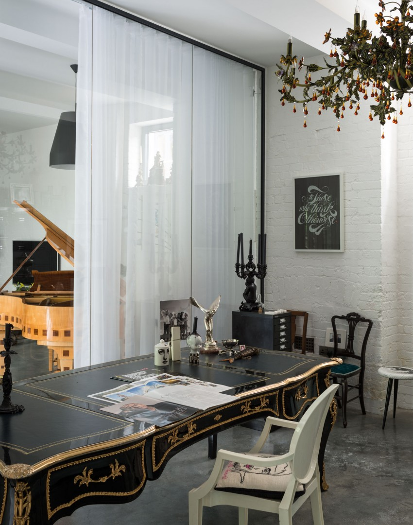 Vitrine Industrial Decordemon: Modern Industrial Home In London