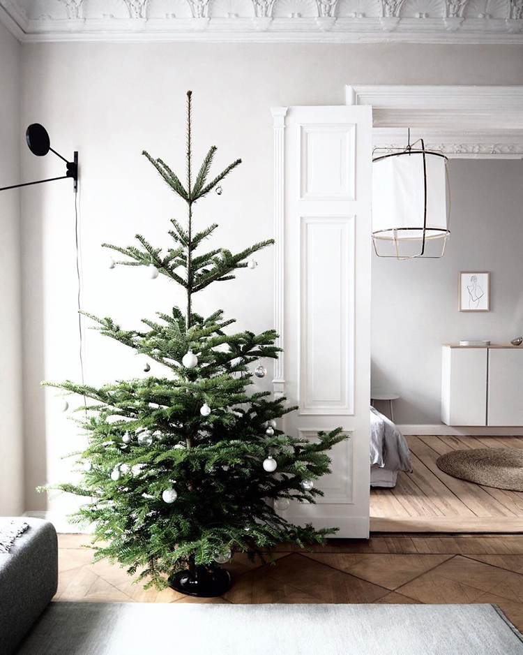 Scandinavian minimalist Christmas tree by Selina Lauck