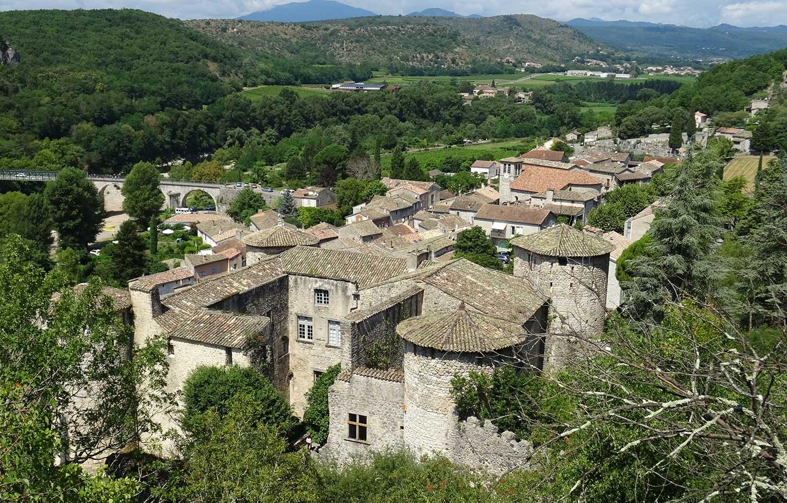 visites bonnes adresses Ardèche village vogüé