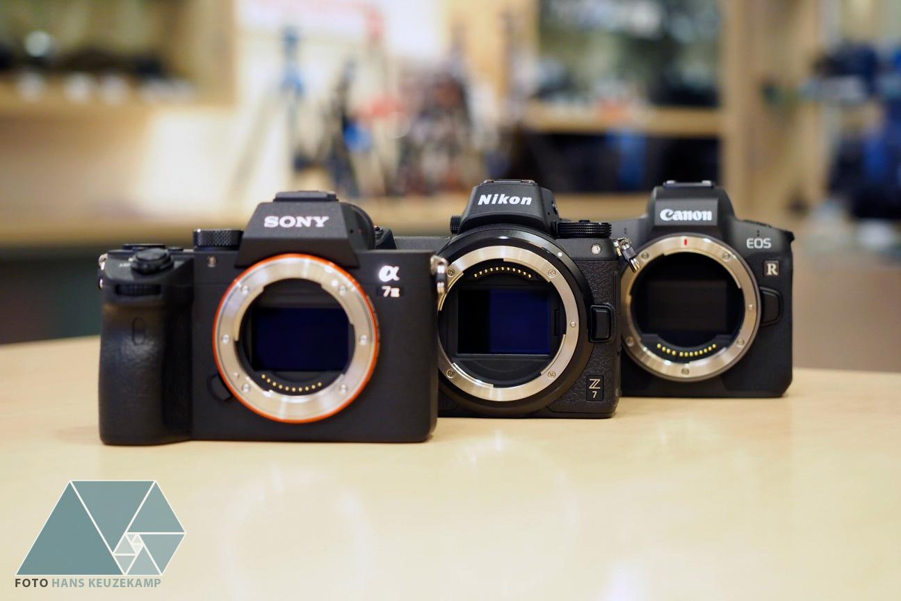 Sony A7 III, Nikon Z7 и Canon EOS R