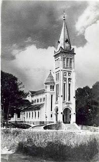 Vieille photo de la cathédrale de Da Lat