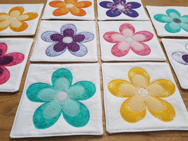 Flower mini quilts | DevotedQuilter.com