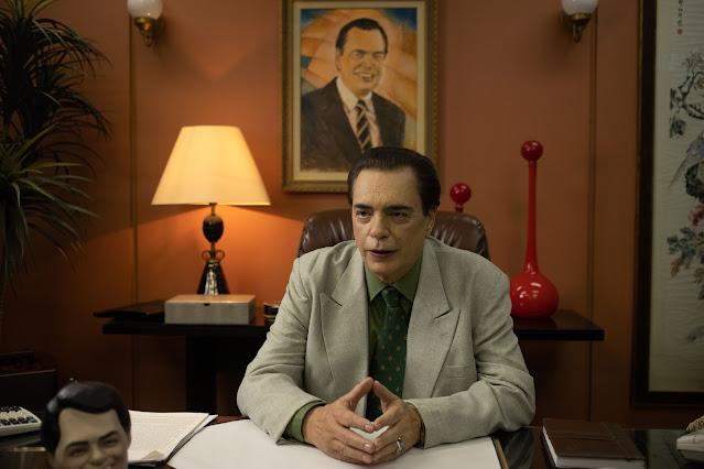 Ator José Rubens Chachá como Silvio Santos