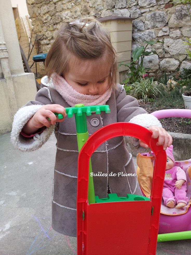 bulles de plume les enfants vous venez jardiner terre vivante. Black Bedroom Furniture Sets. Home Design Ideas
