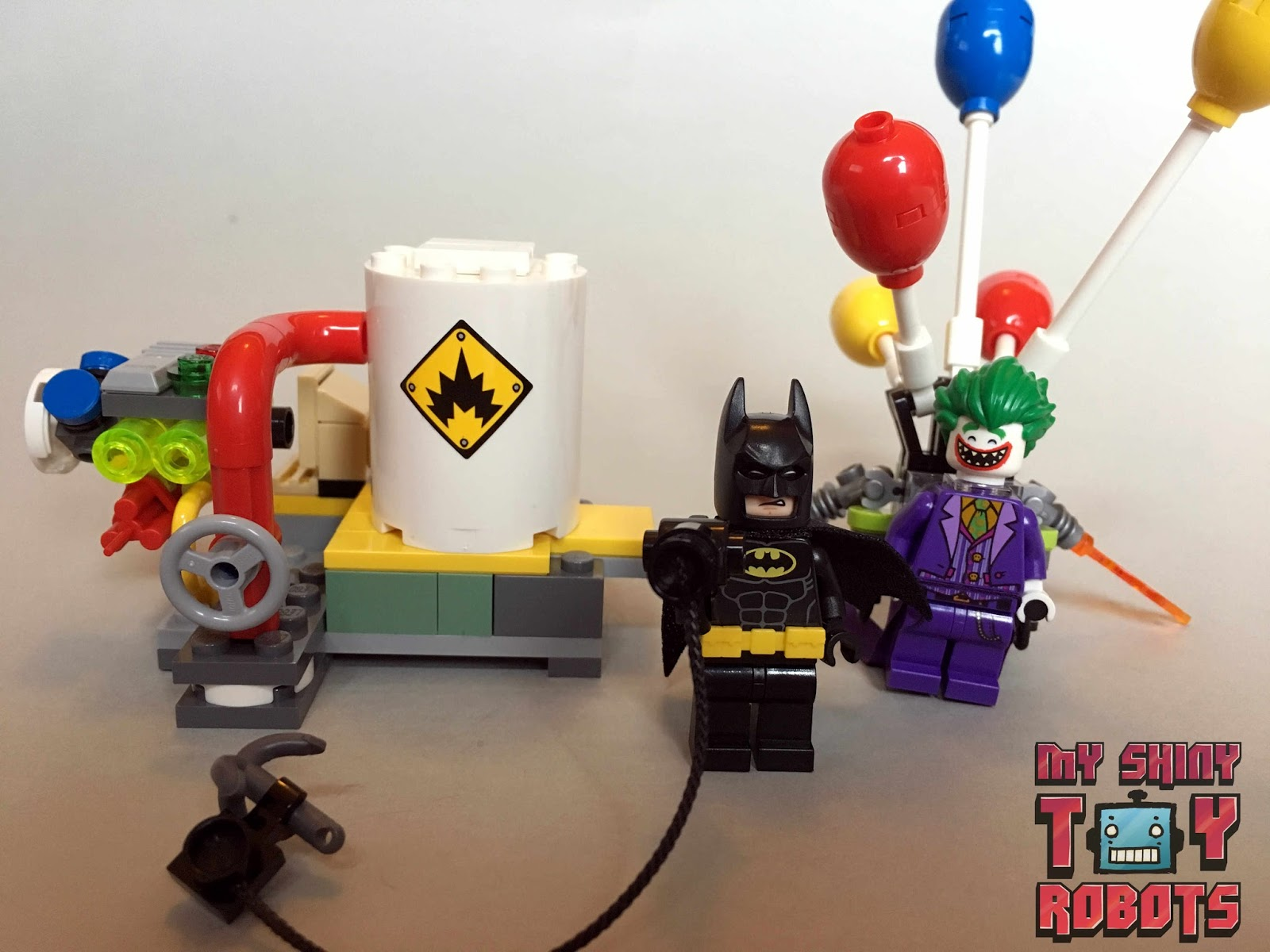 My Shiny Toy Robots Toybox Review The Lego Batman Movie Set 70900 The Joker Balloon Escape