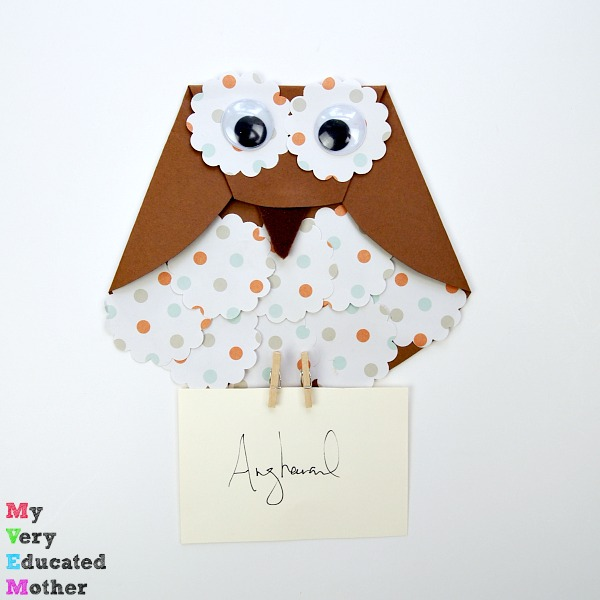So easy to make and a fun way of delivering mail. Harry Potter Craft for Kids - Paper Owl Letter Carriers!