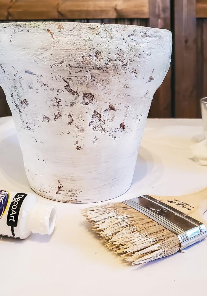 dry brush flowerpot with white paint