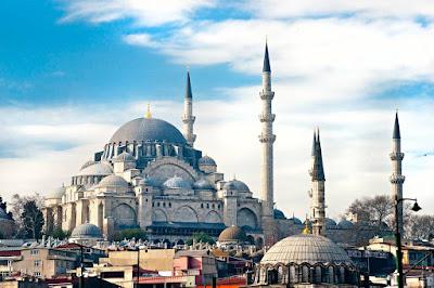 Beginilah Uniknya Arsitektur Bergaya Islam di Turki