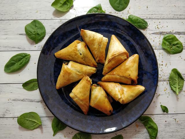 Spanakopita Triangles - (Greek Spinach Pies) 🇬🇷🌱