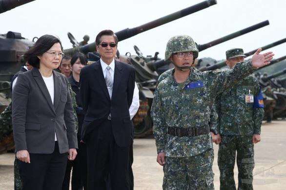 Nữ Tổng thống Đài Loan tuyên chiến với Tập Cận Bình - TQ bị cấm vận chết đói và chết rét cả lũ