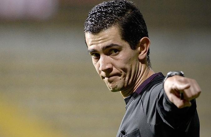 Rojas, a pitar bien: Designado como árbitro del choque entre DEPORTES TOLIMA y Deportivo Cali