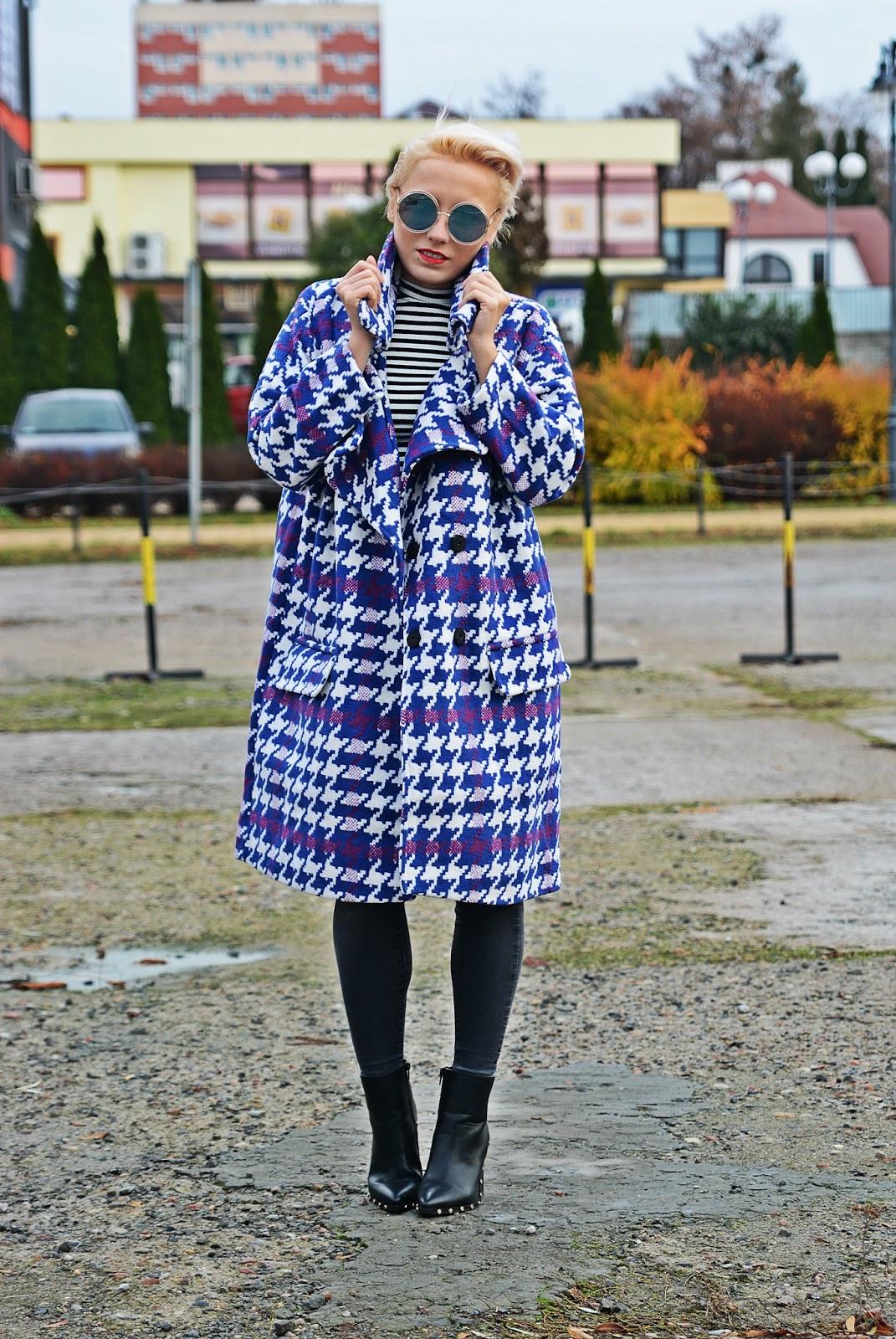 blog_modowy_karyn_dlugi_plaszcz_pepitka_wzor