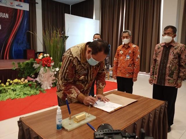 Bupati Pangandaran Tanda Tangani  SK Pembentukan dan Pengukuhan TTP2DD dan TPAKD
