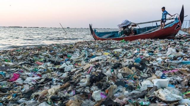 Laut penuh sampah