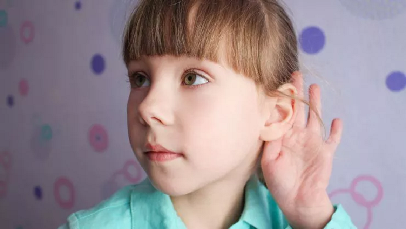 Düşük Notlarının Sebebi Kulakları mı?