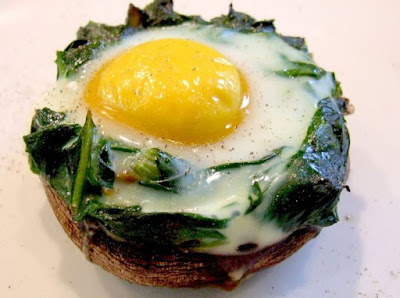 Baked egg with Spinach and Mushroom