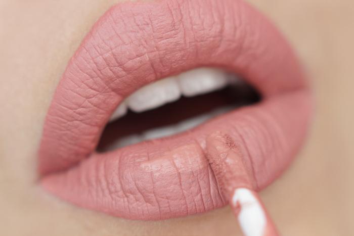 nabla matte liquid lipstick Vanilla Queen