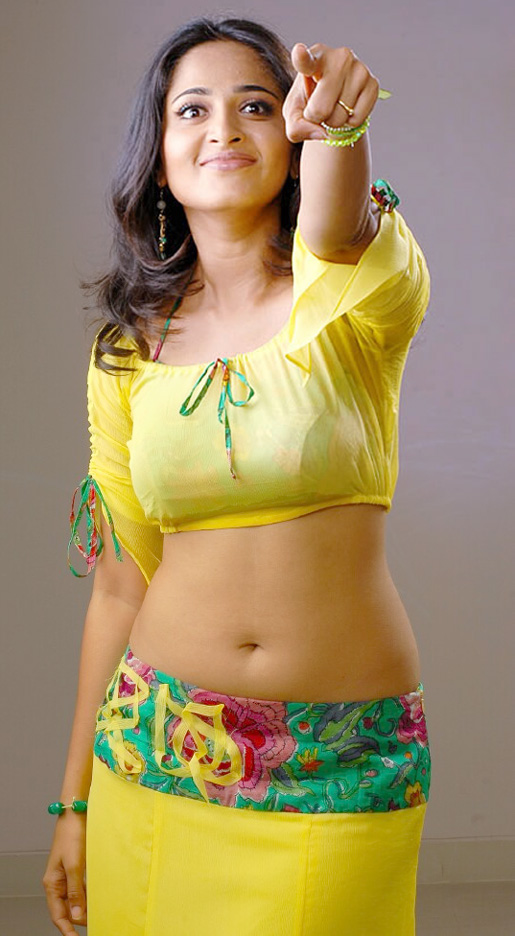 Actress Anushka Navel Show Photos