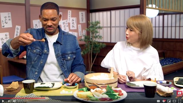 Wow, Will Smith Membuat Sushi dengan Youtuber Jepang