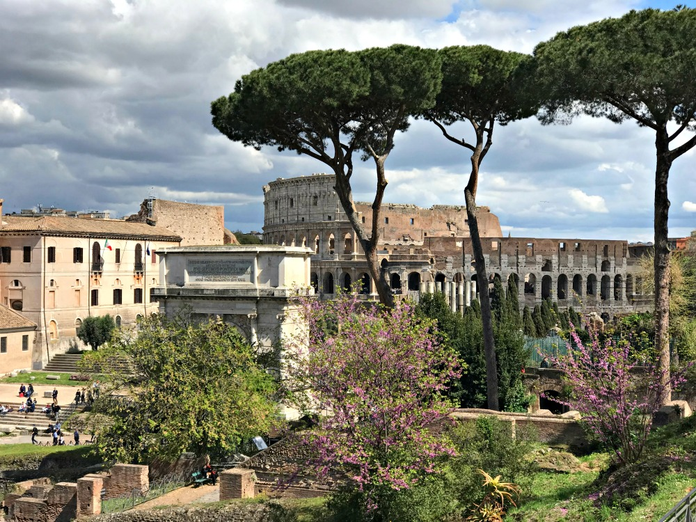 The Roman Forum and the Colosseum what to pack
