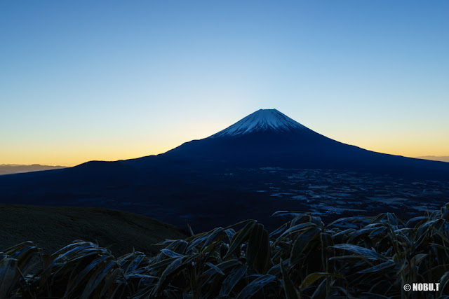 初日の出前の富士山~竜ヶ岳