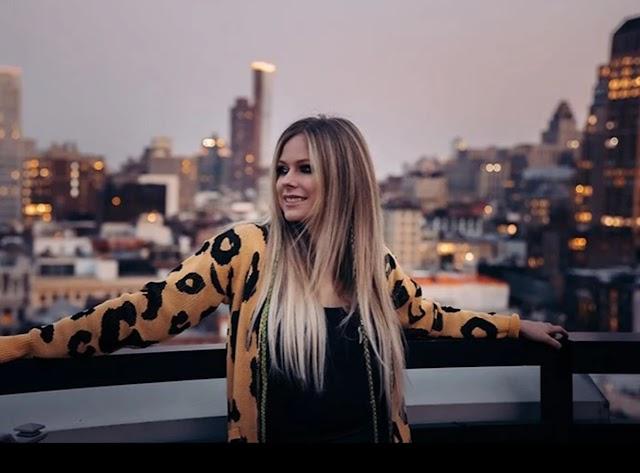 Avril Lavigne, lo mejor de su reportorio en su cumpleaños 36