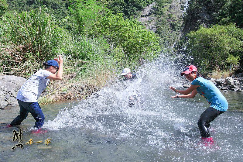 花蓮部落新美學工作假期|中溝瀑布私房景點|阿美族傳統捕魚