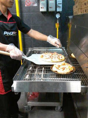launching-pizza-hut-delivery-semarang