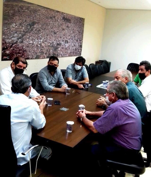 Jataí: Pavimentação da GO-180 avança em reunião entre Vereador Mantelli, Prefeito e Sindicato rural