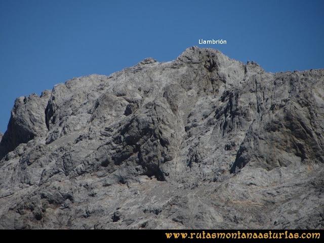 Ruta a la Torre del Friero: Vista del Llambrión