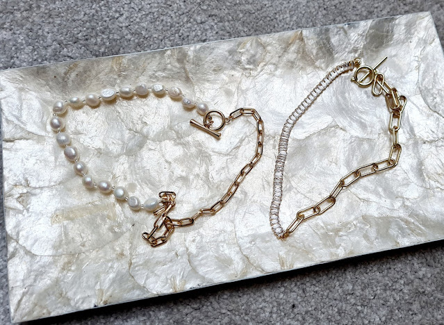 Pearl and gold chunky chain necklace