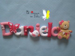nombre-decorativo-fieltro-Daniela-elbosquedelulu-hechoamanoparati-detalle-nacimiento-personalizado-regalo-decoración