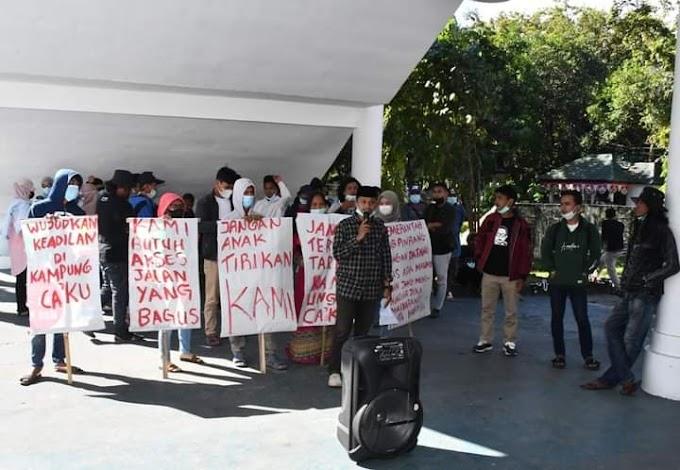 Tuntut Perbaikan Infrastruktur, Mahasiswa Masyarakat Caku Bakaru Pinrang Gelar Unjuk Rasa