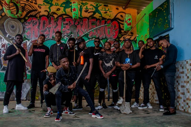 Turma do Apito ft  Cock Sy - Massacre 8 ( Kuduro) Beef - Download.mp3