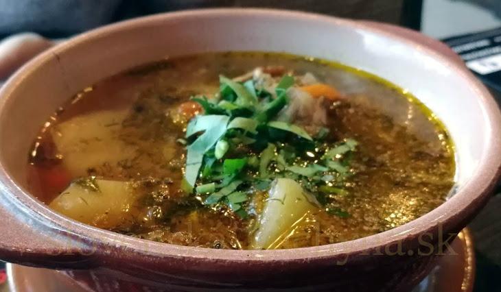 Teľacia kyslá polievka