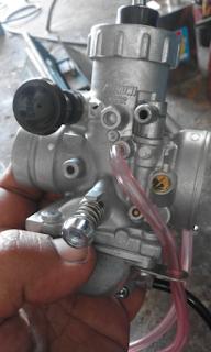 Gambar sisi kanan karburator Rxz