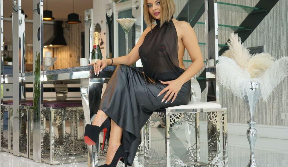 DirtyJess Model GlamourCams