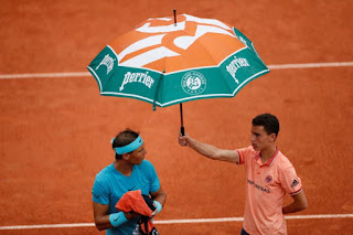 Rafael Nadal rained out mid-match at French Open