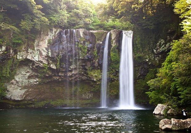 Cheonjiyeon Waterfall - Paket Tour 7H5M Korea Jeju Nov-Dec 2018 - Salika Tour Malang