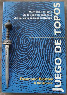 Portada del libro Juego de topos, de Desmond Bristow y Bill Bristow