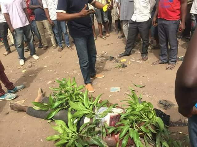 BREAKING NEWS:  Fulani headsman attack mbalom village in  Benue, kill 2 Rev Fathers, many others