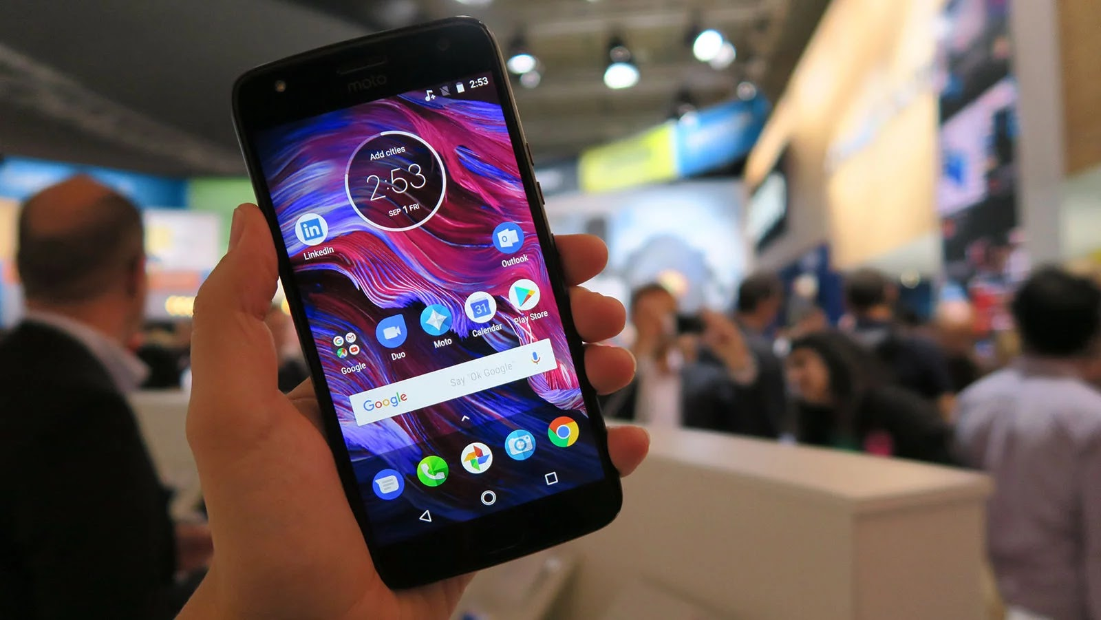 Motorola Launches the Moto x4 and Moto z2