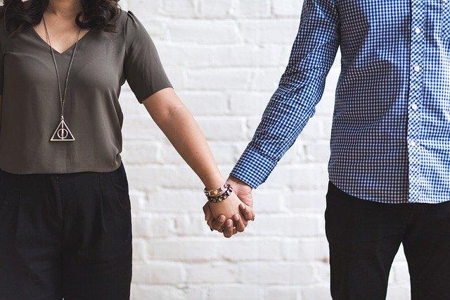 Mantra pelindung agar pasangan setia lahir batin dan tidak selingkuh