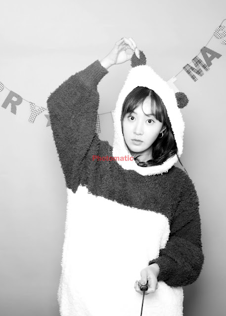 SNSD Yuri Photobooth Pictures
