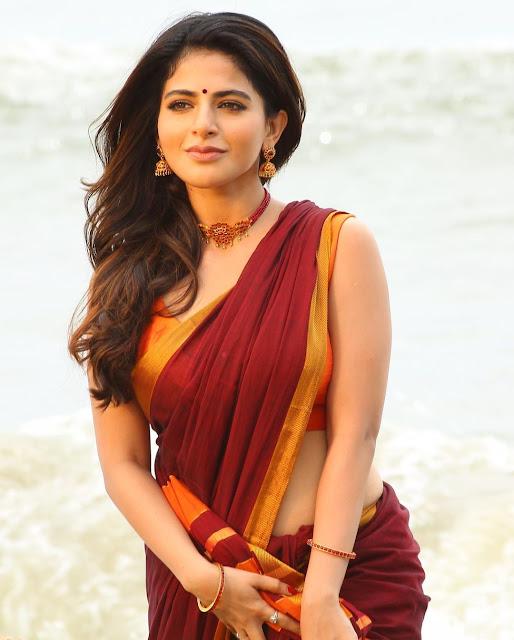 Actress Iswarya Menon Saree Photos Navel Queens