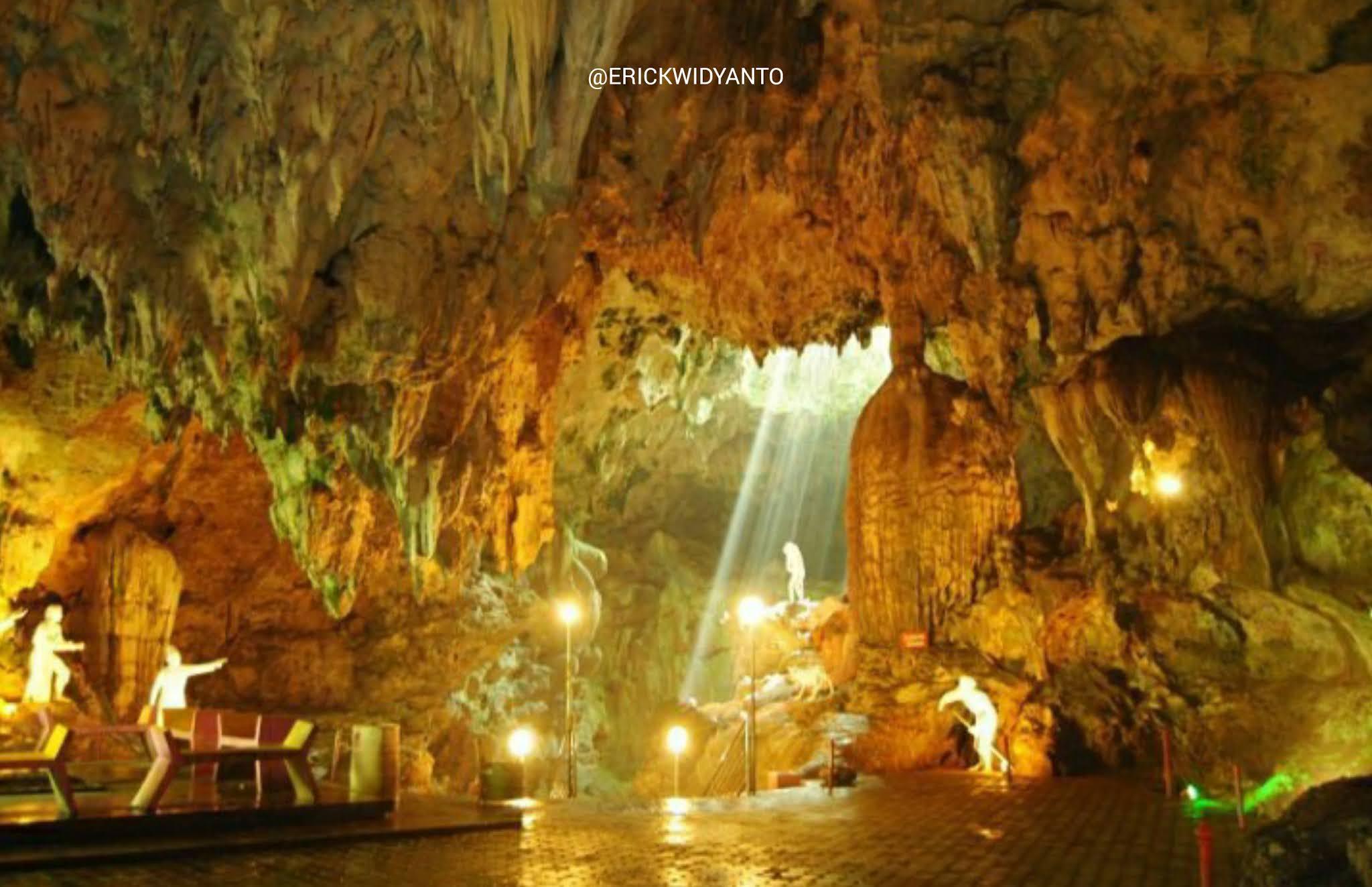 Destinasi wisata Goa Maharani di jawa timur