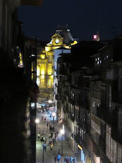 vista da rua das Flores à noite