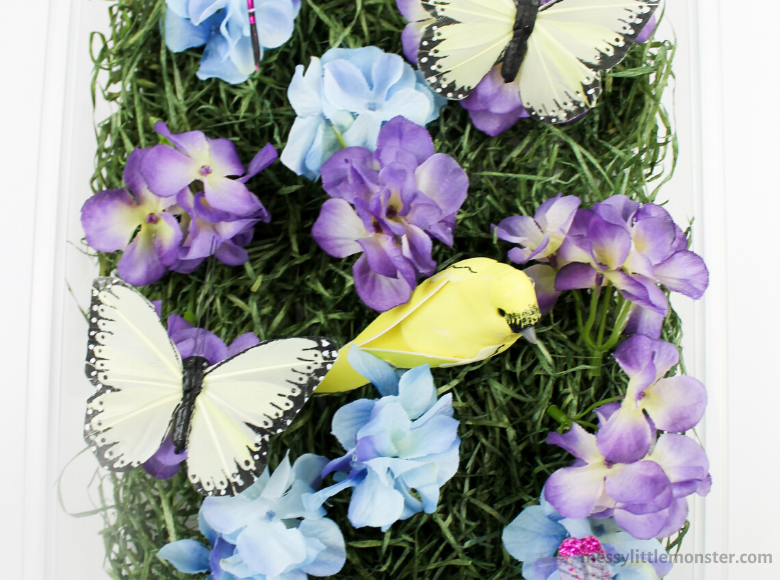 Spring sensory bin for preschoolers