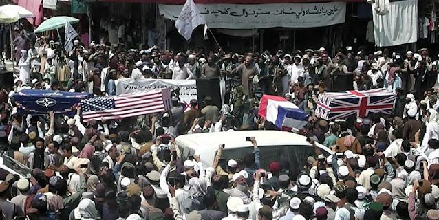 Rayakan Kemenangan, Taliban Bungkus Peti Mati dengan Bendera AS dan Sekutu