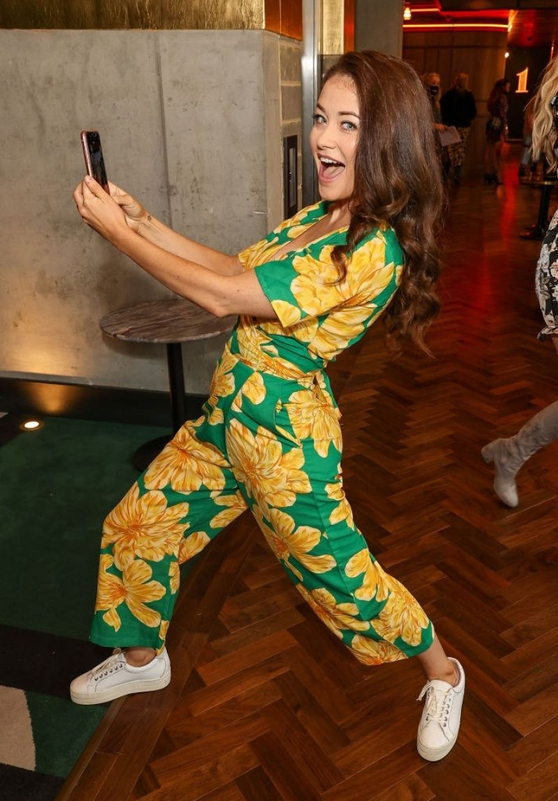 JJess Impiazzi Clicks at Two by Two Overboard! Vip Screening in Chelsea 18 Oct -2020